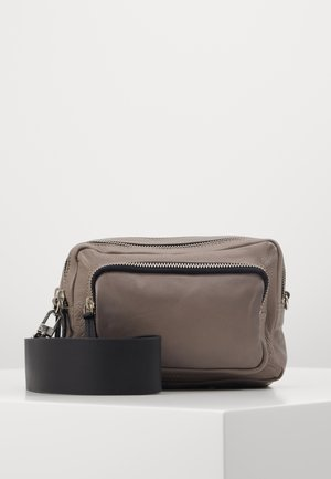 CAMERA CROSSBODY BAG - Umhängetasche - grey