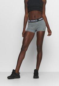 Nike Performance - 365 SHORT - Medias - smoke grey/heather/black - 0