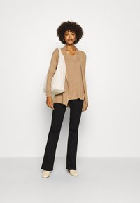 GAP - BELLA THIRD - Kardigan - classic camel - 1