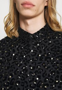 Twisted Tailor - SLATER SHIRT - Shirt - black - 4