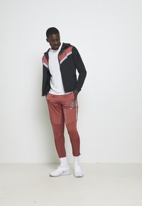 Nike Performance - ELITE PANT - Tracksuit bottoms - claystone red/reflective silver - 1