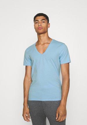 QUENTIN - T-shirt - bas - blau