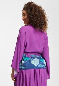 Collectif - SABINE PEACOCK  - Summer jacket - purple - 2