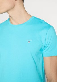 GANT - THE ORIGINAL - Camiseta básica - light blue - 4