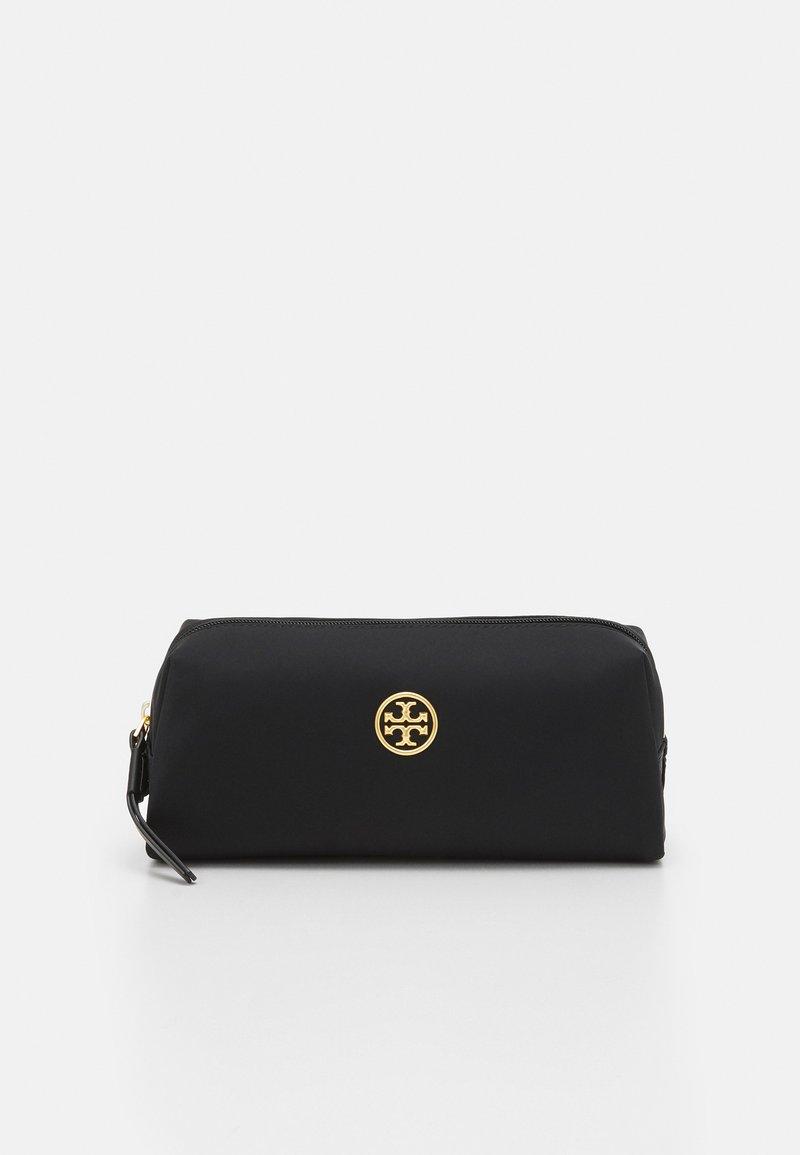 Tory Burch - PIPER LONG COSMETIC CASE - Kosmetická taška - black