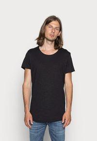 Jack & Jones - JJEBAS TEE - T-shirt - bas - black - 0