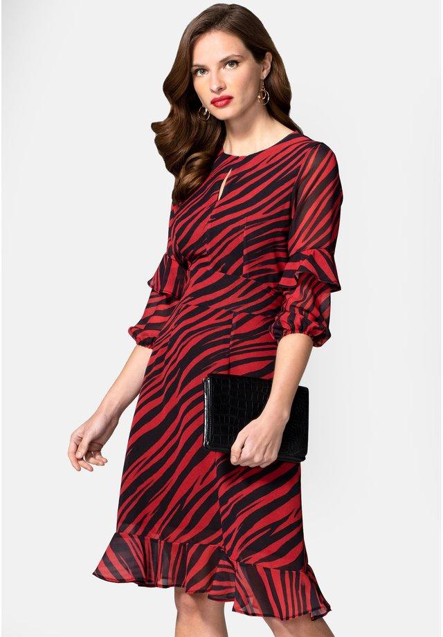 PRINT CHIFFON - Denní šaty - red animal stripes