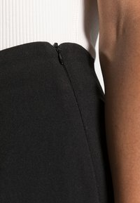 Anna Field - CLEAN WIDE LEG PANTS  - Trousers -  black - 4