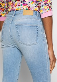 Opus - EVITA - Slim fit jeans - fresh blue - 4