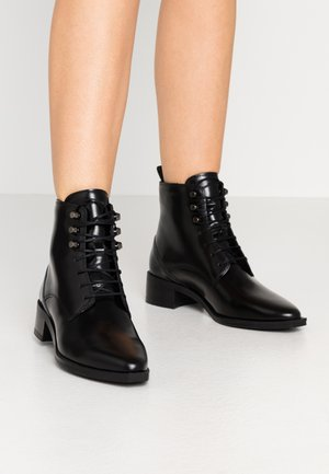 ELITE SQUARE MIDCUT - Lace-up ankle boots - black