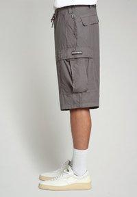 Napapijri - HANAKAPI - Shorts - grey gargoyle - 3