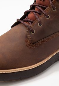 Timberland - CROSS MARK GTX CHUKKA - Lace-up ankle boots - medium brown - 5