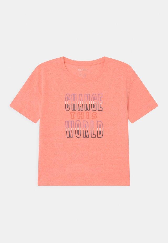 BOXY TEENAGER - T-shirt print - neon coral