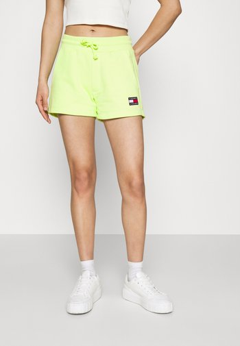 BADGE - Short - faded lime