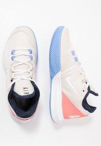 Nike Performance - AIR MAX WILDCARD CLAY - Tenisové boty na antuku - light orewood brown/white/royal pulse - 1
