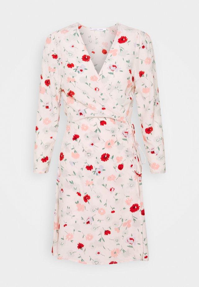 BRITT WRAP DRESS - Sukienka letnia - pink