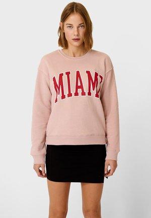 MIT SCHRIFTZUG - Sweatshirt - rose