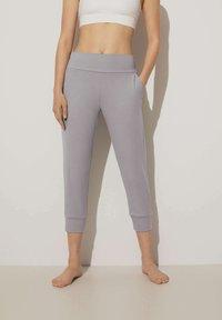 OYSHO - Teplákové kalhoty - light grey - 0