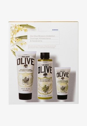 OLIVE BLOSSOM SET OF 3 - Bath and body set - -