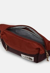 The North Face - LUMBAR PACK UNISEX - Bum bag - brandy - 3