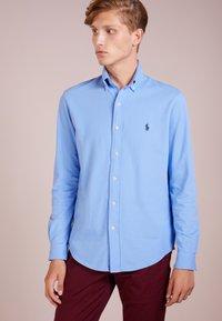 Polo Ralph Lauren - LONG SLEEVE - Koszula - cabana blue - 0