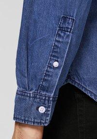 Produkt - Shirt - medium blue denim - 4
