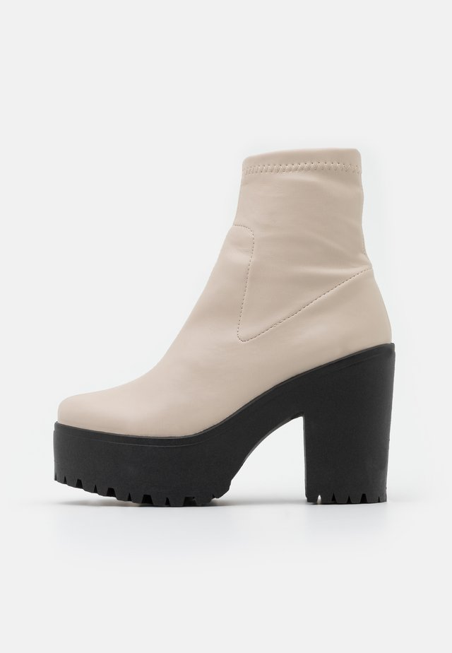 SOCK BOOT - Platform ankle boots - off white