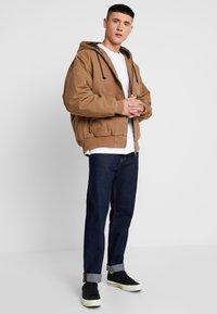 Carhartt WIP - ACTIVE JACKET DEARBORN - Light jacket - hamilton brown aged - 1
