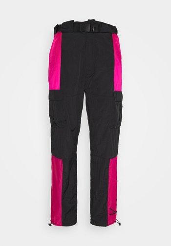 SIGNATURE PANTS UNISEX - Pantalon cargo - black