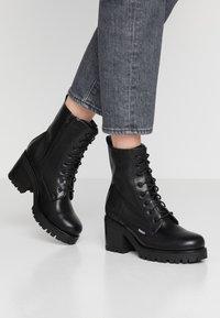 Dockers by Gerli - Platform ankle boots - schwarz/dunkelgrau - 0