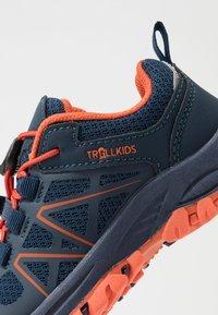TrollKids - KIDS SANDEFJORD LOW UNISEX - Hiking shoes - mystic blue/orange - 2