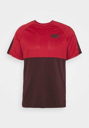 DRY - T-shirts print - night maroon/university red/mystic dates