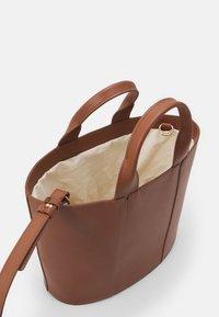 Zign - LEATHER - Handbag - cognac - 2
