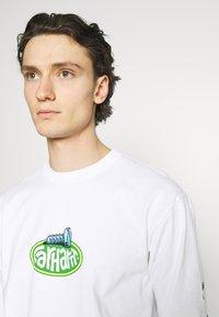 Carhartt WIP - SCREW - Long sleeved top - white - 4