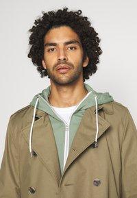 Nike Sportswear - Zip-up hoodie - spiral sage/ice silver/white - 3