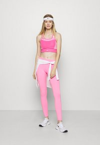 Nike Performance - EPIC LUXE - Tights - pink glow/silver - 1