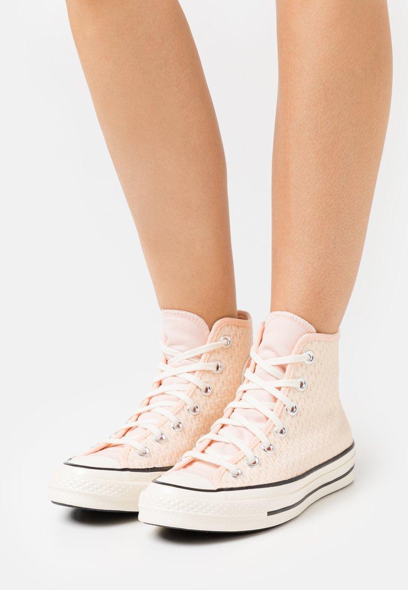 Converse - CHUCK 70 - Zapatillas altas - crimson tint/cantaloupe/egret