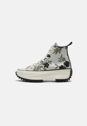 RUN STAR HIKE PLATFORM - Sneakers hoog - saturn gold/black/egret