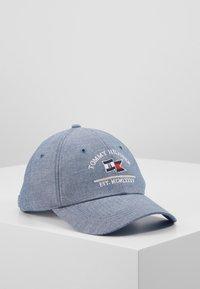 Tommy Hilfiger - PATCH FLAG - Caps - light blue - 0