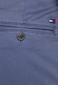 Tommy Hilfiger - BLEECKER FLEX - Spodnie materiałowe - faded indigo - 5