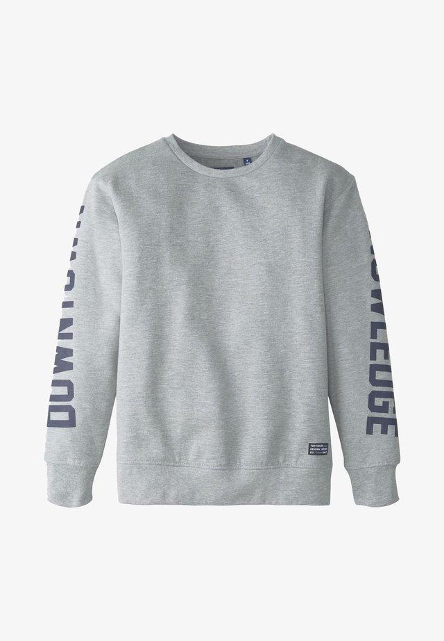 TOM TAILOR STRICK & SWEATSHIRTS SWEATSHIRT MIT SCHRIFT-PRINT - Sweatshirt - drizzle melange|gray