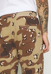 STAPLE PIGEON - UNISEX GARMENT - Pantalon de survêtement - beige - 5
