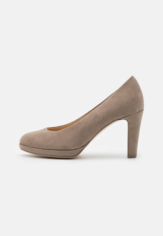 Zapatos altos - kiesel