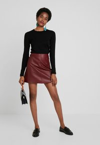 Selected Femme - SLFNINI SKIRT - Leather skirt - cabernet - 1