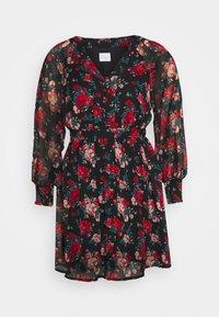 VILA PETITE - VIBROOKLY DRESS PETITE - Denní šaty - black/jester red - 4