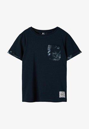 NKMFANGEM - Print T-shirt - dark sapphire