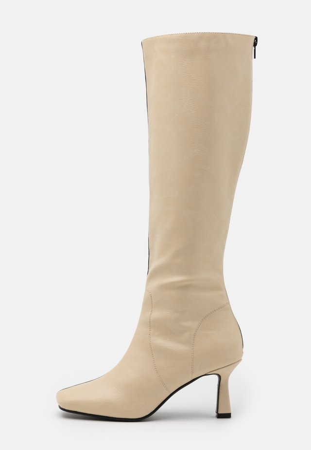 BEAU - Botas - cream/black