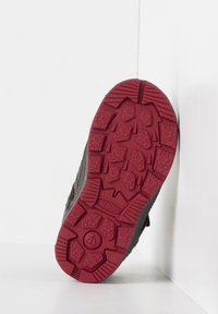 Keen - REDWOOD MID WP - Lace-up ankle boots - steel grey/red dahlia - 4