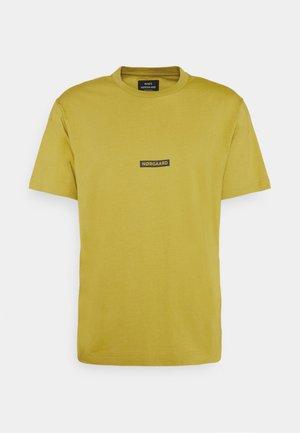 BOX LOGO TWIN - Print T-shirt - burnished gold