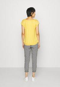 Soyaconcept - MARICA  - Basic T-shirt - yellow - 2